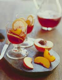 cuisine au vin rosé cocktail au vin rosé et aux pêches pour 4 personnes recettes
