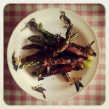 cuisiner asperges vertes fraiches asperges vertes jambon cru et pavot caramélisés au balsamique la