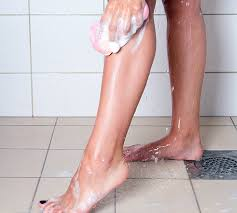 how to remove ingrown hair in thigh how to get rid of ingrown hair and razor bumps on the legs