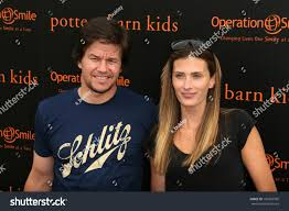 mark wahlberg wife rhea durham pottery stock photo 101063995