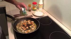 cuisiner les st jacques préparer des coquilles jacques à la crème cuisiner