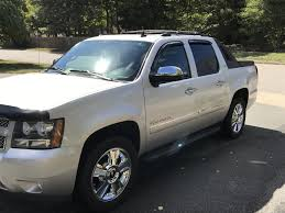 2010 chevrolet avalanche overview cargurus