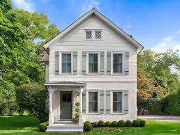 waterfront bridgehampton property with 2 200 square foot cottage