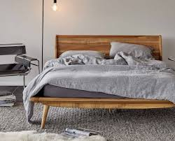 Basic Platform Bed Frame Plans by Best 10 Simple Wood Bed Frame Ideas On Pinterest Headboards For