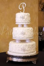 wedding cakes with bling 3 tiered wedding cakes