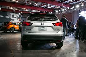 nissan canada year end deals 2017 nissan rogue sport first look review motor trend