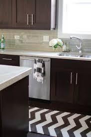 quatrefoil tile gives excellent texture to a kitchen i wonder how