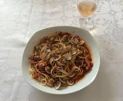 cuisiner des palourdes spaghetti à la vongole aux palourdes recette de spaghetti à la