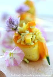 cuisiner les courgettes jaunes recette de roulé de courgettes jaunes au riz vert la recette facile