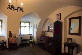 airbnb offers night in dracula u0027s castle at halloween as prize