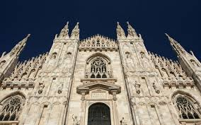 tourist was locked into milan u0027s duomo overnight by accident