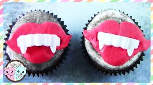 vampire cupcakes halloween cupcakes by sugarcoder youtube