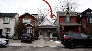 this tiny toronto house sold for 370 000 over asking the globe