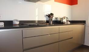 cuisine moderne taupe cuisine aménagée réalisations 7ème