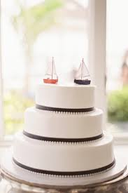 sailboat cake topper 55 ways to get a nautical on your wedding day brit co