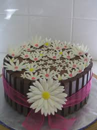 mother u0027s day cakes daisy flower kit kat chocolate cake with