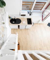 decoration du cuisine studio green casa goldie mezzanine avec lit cuisine
