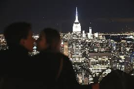 will you marry me signs in lights new york city s most popular spots for marriage proposals am new york