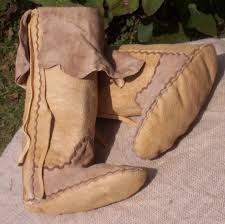 womens moccasin boots size 12 plains style moccasins boots they are about size 6 in womens