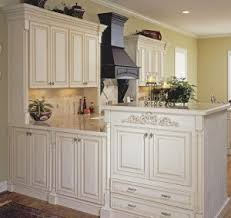 which kitchen cabinets are better lowes or home depot buying kitchen cabinets beware