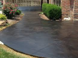 Stain Old Concrete Patio by Best 25 Concrete Patio Paint Ideas On Pinterest Concrete Patio