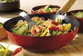 recette cuisine wok recette de wok de crevettes aux nouilles et aux légumes open
