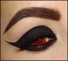 halloween vampire contacts woman feared halloween contact lenses would leave her blind as