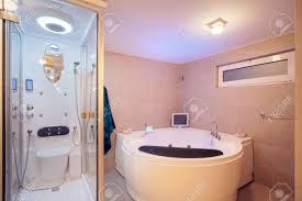 interieur salle de bain moderne intérieur d u0027une salle de bains moderne les détails de jacuzzi et