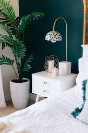 Schlafzimmer Dunkle M El Wandfarbe Pflanze Lampe Home Pinterest Pflanze Und Lampen