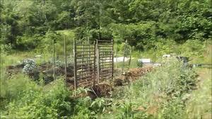 hillbilly rig trellis recycled vertical u0026 no till garden youtube