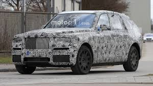 rolls royce cullinan rolls royce cullinan spied looking imposing in europe