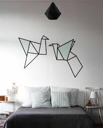 décoration mur chambre à coucher diy origami comme deco murale pour apporter une touche