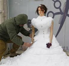 carved bridal hairdresser carved bridal dress out of snow