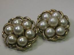 s clip on earrings vintage gold tone coro gold tone faux pearl clip earrings