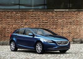 volvo v40 cross country r design 2017 volvo v40 and volvo v40 cross country launched in india