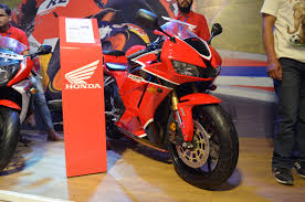 honda cbr 600 2017 honda cbr 600rr showcased at nepal auto show 2017 live