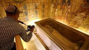 chambre secr鑼e la piste de la chambre secrète dans la tombe de toutankhamon se