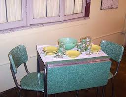 50s style kitchen table like the 50 s 60 s diner style table and chairs tiny home small
