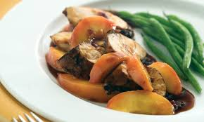 cuisiner avec du gingembre poulet grillé avec sauce au gingembre et aux pêches fraîches le