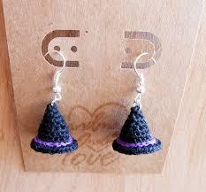 halloween earrings witch hat crochet earrings free patern crochet halloween