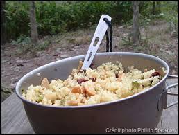 cuisiner la semoule semoule le féculent parfait pour la randonnée