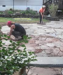 How To Clean Stone Patio by How To Clean Dry Laid Flagstone Devine Escapes