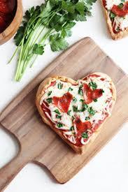 cuisiner pour amoureux pour les amoureux de la pizza le top des diy pour une