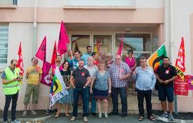 siege du medef rassemblement de la cgt fsu fo et sud solidaires hier devant le