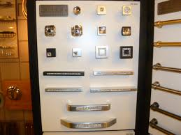 Knobs On Kitchen Cabinets Kitchen Cabinet Hardware Bhb
