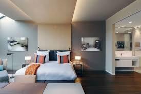 Schlafzimmer Mit Holz Tapete Schlafzimmer Grau Ein Modernes Schlafzimmer Interior In Grau