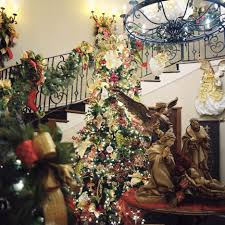christmas decorating grand entrance decorate the banister