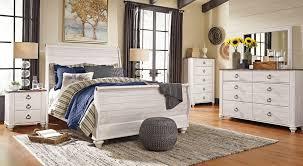 Sleigh Bed Set Willowton Sleigh Bedroom Set Furniture