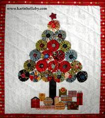 jovial christmas tree wall hanging moda bake shop yoyo