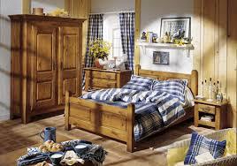 chambre en chene massif chambre à coucher rustique chêne massif chambre complète meubles